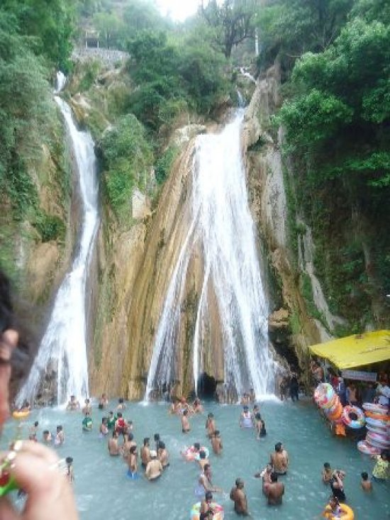 Kempty Falls Timings, Mussoorie. Location, Entry Fees